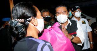 Pemrov Banten Bersama Forkopimda Lakukan Patroli Serta Membagikan Bansos