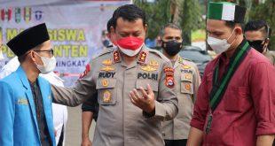 Kapolda Himbau Prokes Saat Pelaksanaan Vaksinasi Mahasiswa Cipayung Plus Banten
