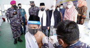 Wapres Tinjau Vaksinasi Covid-19 di Ponpes An-Nawawi Banten