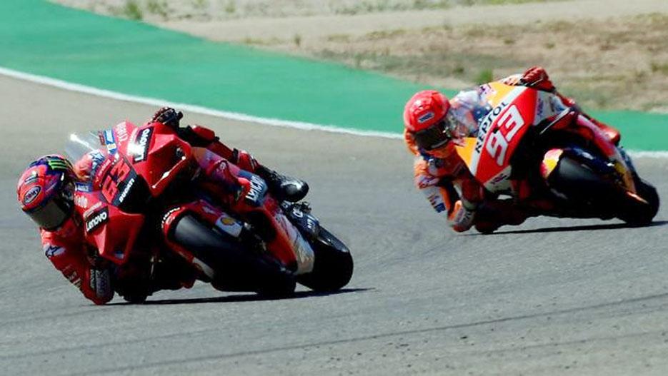 Bagnaia Juarai MotoGP Aragon Usai Duel Sengit Melawan Marquez