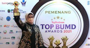 Bupati Serang dan BPR Raih Penghargaan TOP BUMD Award 2021