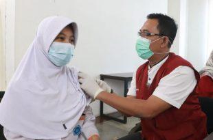 Pemkab Tangerang Lakukan Vaksinasi Para Pelajar dan Masyarakat di Sindang Jaya
