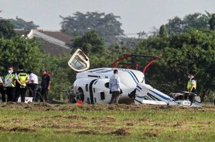 Hilang Kendali, Helikopter Milik Kemenhub Terjatuh di Bandar Udara Budiarto Tangerang