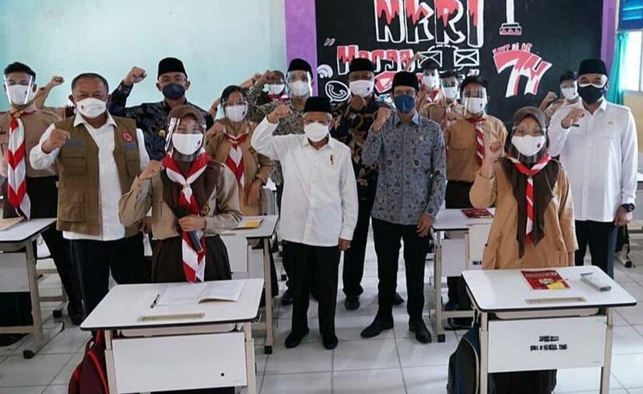 Wagub Banten Dampingi Wapres RI Meninjau Pelaksanaan PTM di SMA Negeri 19 Balaraja