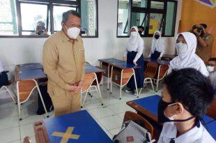 Walikota Tangsel Tinjau Pembelajaran Tatap Muka Hari Pertama Tingkat SMP