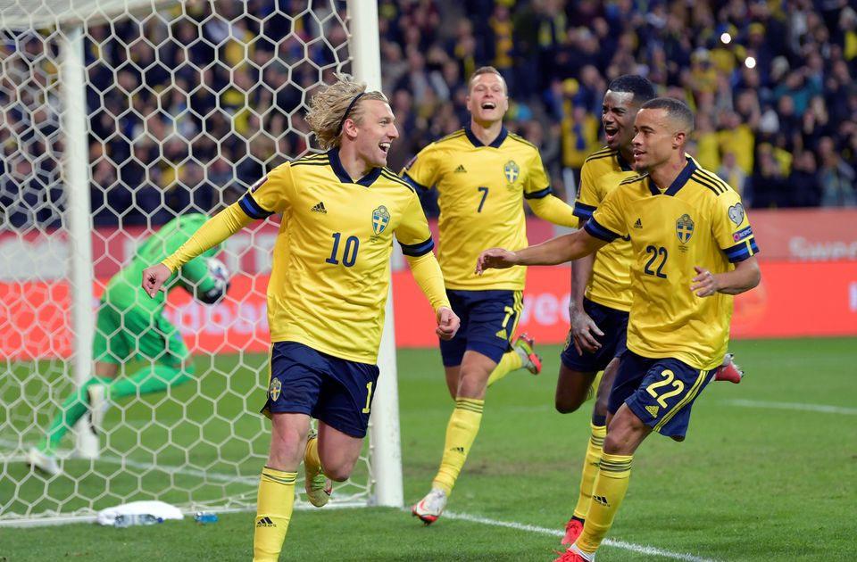 Alexander Isak Menginspirasi Swedia Menang 2-0 Melawan Yunani