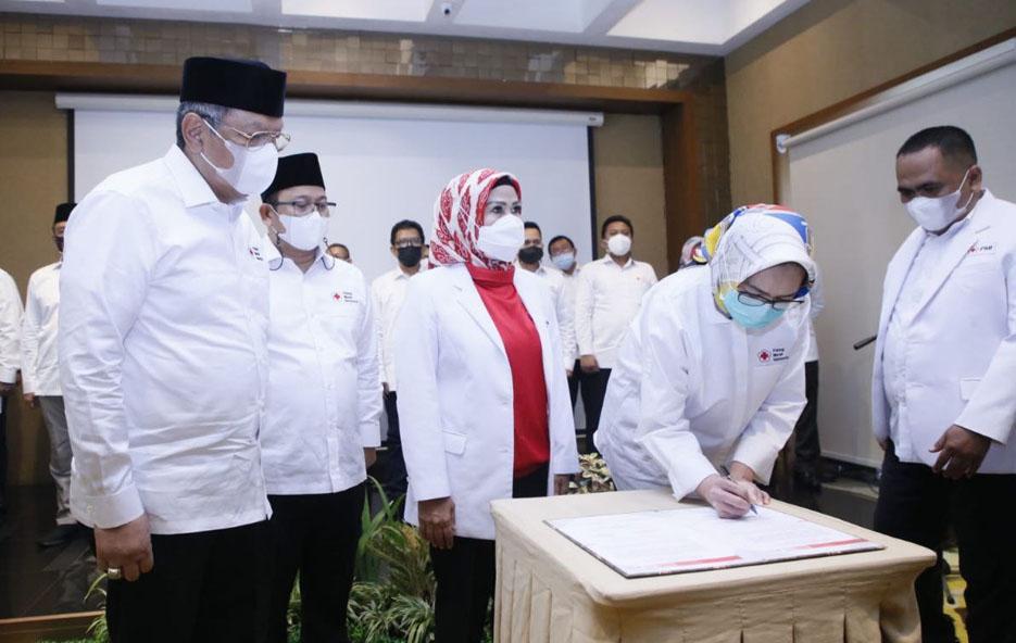 Airin Resmi Dilantik Menjadi Ketua PMI Kota Tangsel Periode 2020-2025